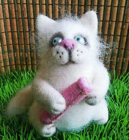 Валяние котов из синтепона