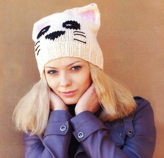 Вязаная шапка кошка