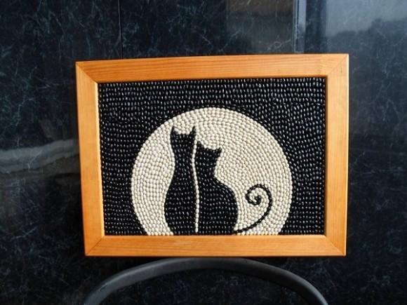 Панно из фасоли кошки